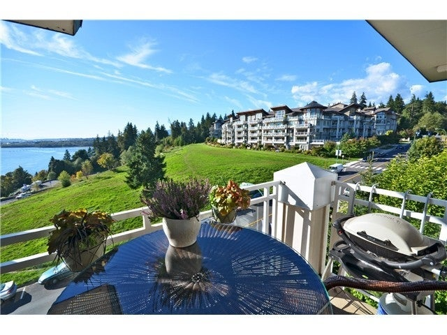 Deerfield by the Sea North Vancouver    --   3629 DEERCREST DR - North Vancouver/Roche Point #2