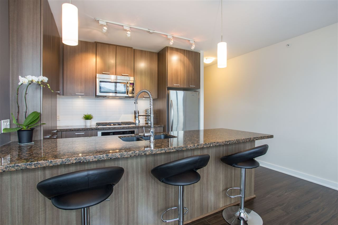 705 301 CAPILANO ROAD - Port Moody Centre Apartment/Condo for sale, 2 Bedrooms (R2333856) #6
