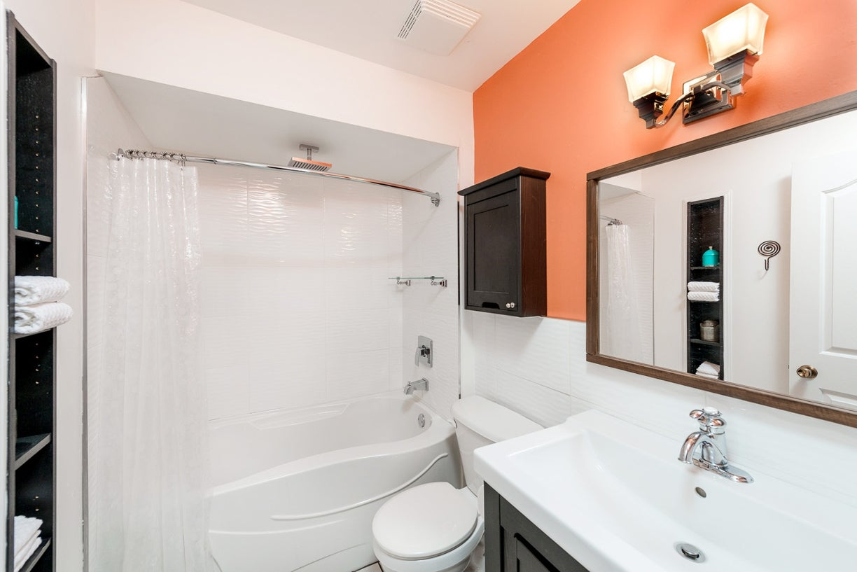 305 160 E 19TH STREET - Central Lonsdale Apartment/Condo for sale, 1 Bedroom (R2055688) #9