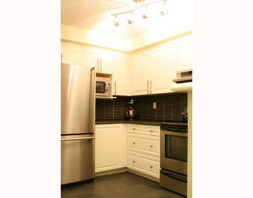 # 243 2565 W Broadway Bb - Kitsilano Townhouse for sale, 2 Bedrooms (V685017) #4