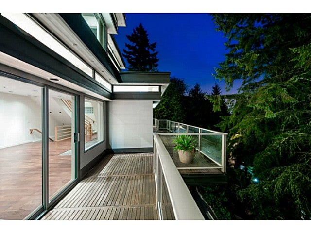 North Shore Real Estate: 4125 Burkeridge Place, West Vancouver