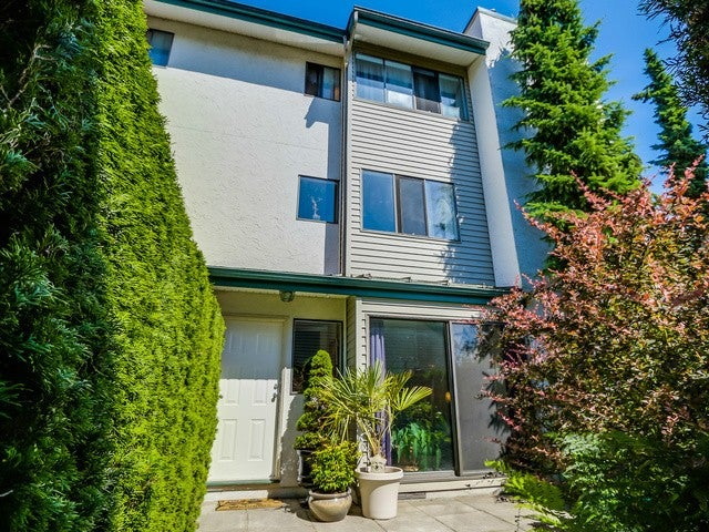 # 16 230 W 13TH ST - Central Lonsdale Townhouse for sale, 3 Bedrooms (V1128127) #1