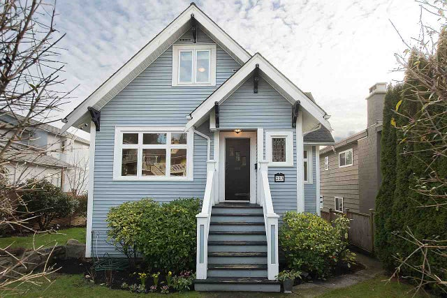 223 E 28TH STREET - Upper Lonsdale House/Single Family for sale, 4 Bedrooms (R2032342) #1