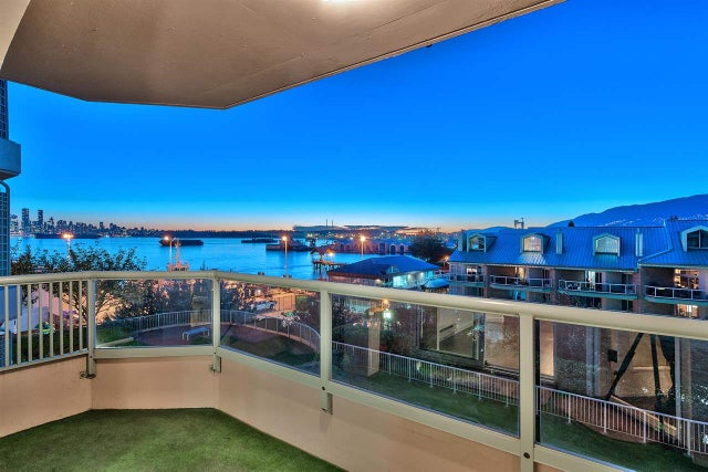 209 168 CHADWICK COURT - Lower Lonsdale Apartment/Condo for sale, 3 Bedrooms (R2210854) #4
