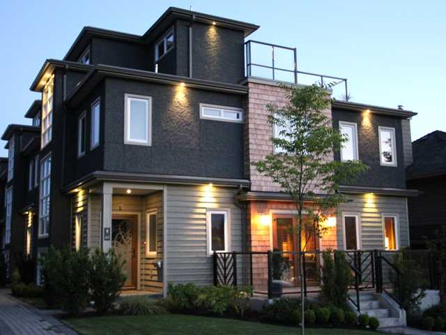 217 W 17th St, Central Lonsdale, North Vancouver  - Central Lonsdale Townhouse for sale, 4 Bedrooms (V1012147) #1